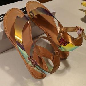 NIB Bamboo hologram sandals